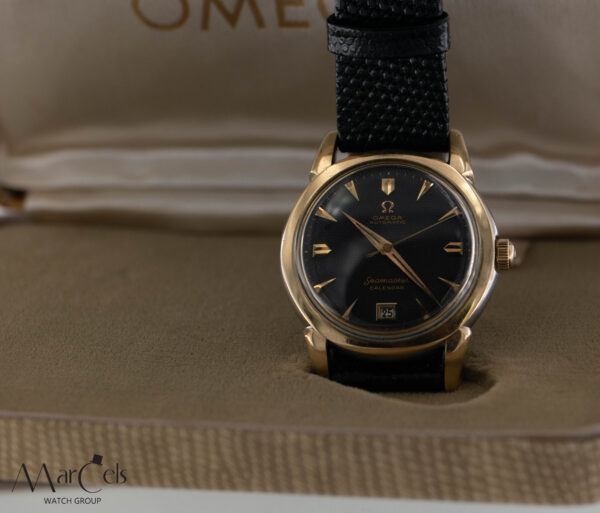 0749_vintage_watch_omega_seamaster_calender_honeycomd_dial_24